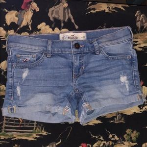 Distressed Hollister Jean Shorts! Size 23 or 00